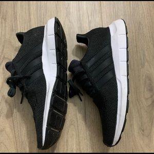 Adidas Swift Run In Charcoal Grey